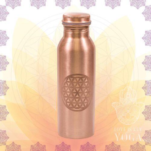 Kupferflasche mit der Blume des Lebens