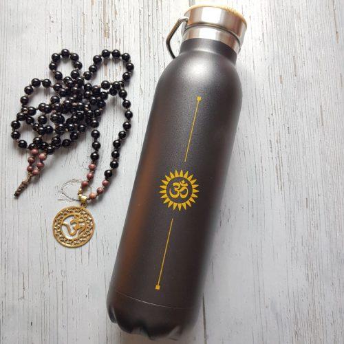 IsolierTrinIsolier Trinkflasche Edelstahl Black OMkflasche Edelstahl Yantra 1