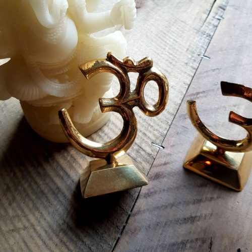 OM Statue Messing 3